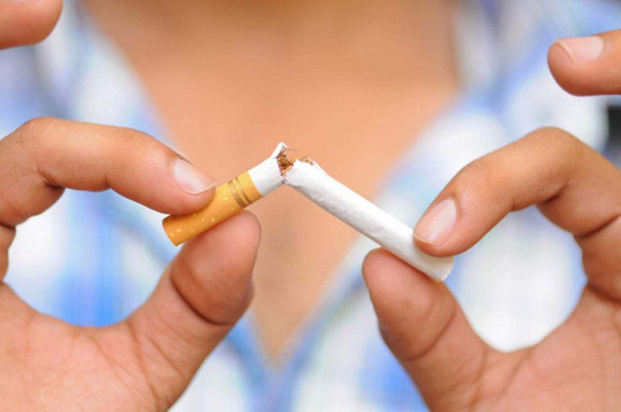 Efeito ferrugem: tabagismo promove oxidação da pele e envelhecimento acentuado